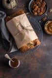 Ψωμί μπανανών Πεκάν και κέικ φραντζολών μπανανών καραμέλας Στοκ φωτογραφίες με δικαίωμα ελεύθερης χρήσης