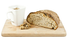 Ψωμί σε μια σανίδα Στοκ φωτογραφίες με δικαίωμα ελεύθερης χρήσης