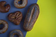 Ψωμί στο υπόβαθρο στοκ φωτογραφία