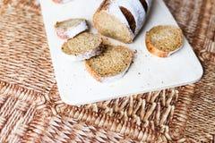 Ψωμί φαγόπυρου στον ξύλινο πίνακα Στοκ Εικόνα