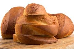 ψωμί χαρτονιών που τεμαχίζ&epsi Στοκ Φωτογραφίες