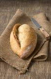 Ψωμί burlap σε ένα αγροτικό ύφος Στοκ Εικόνες