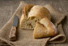 Ψωμί burlap σε ένα αγροτικό ύφος Στοκ Φωτογραφίες