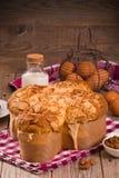Ψωμί Colomba Pasquale περιστεριών Πάσχας Στοκ Εικόνες