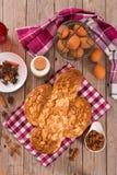 Ψωμί Colomba Pasquale περιστεριών Πάσχας Στοκ φωτογραφία με δικαίωμα ελεύθερης χρήσης