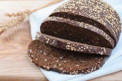 ψωμιού σίκαλη που τεμαχίζεται φρέσκια Στοκ Εικόνα