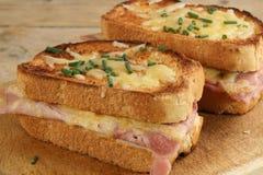 ψωμιού monsieur ζαμπόν τυριών croque ψημένο στη σχάρα Στοκ Φωτογραφίες