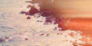 Ωκεάνια άποψη ακτών, τέλειοι ταξίδι και προορισμός διακοπών στοκ φωτογραφίες