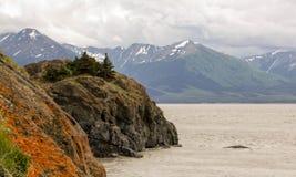 Ωκεάνια άποψη με τα βουνά Στοκ φωτογραφία με δικαίωμα ελεύθερης χρήσης