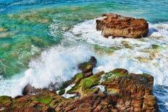 ωκεάνια κύματα βράχων Στοκ Εικόνα