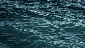ωκεάνια κύματα κυμάτων πρώτου πλάνου εστίασης απόθεμα βίντεο