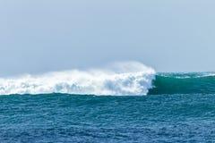 Ωκεάνια συντριβή θύελλας κυμάτων Στοκ Φωτογραφία