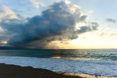Ωκεάνιες ακτίνες ηλιοβασιλέματος Στοκ Εικόνες