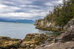 Ωκεάνιοι απότομοι βράχοι Στοκ φωτογραφίες με δικαίωμα ελεύθερης χρήσης