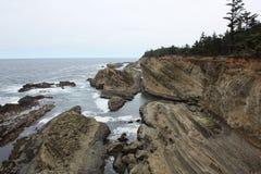 Ωκεάνιοι απότομοι βράχοι Στοκ εικόνες με δικαίωμα ελεύθερης χρήσης