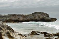Ωκεάνιοι απότομοι βράχοι Στοκ φωτογραφία με δικαίωμα ελεύθερης χρήσης