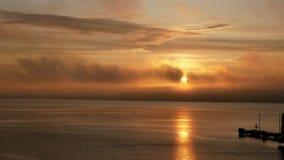 Ωκεάνιος ήλιος αυγής νερού φιλμ μικρού μήκους