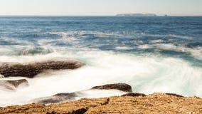 Ωκεάνιος βράχος κυμάτων Στοκ Φωτογραφίες