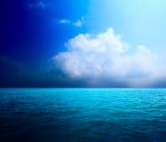 ωκεάνιος τέλειος ουρανός Στοκ Φωτογραφίες