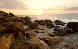 Ωκεάνιο κύμα ηλιοβασιλέματος Στοκ φωτογραφία με δικαίωμα ελεύθερης χρήσης