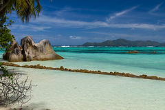 Ωκεάνιο μπλε watercolour παραλιών τοπίων στοκ φωτογραφία με δικαίωμα ελεύθερης χρήσης