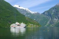ωκεάνιο σκάφος φιορδ geiranger Στοκ εικόνα με δικαίωμα ελεύθερης χρήσης