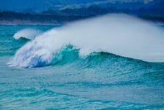 Ωκεάνιο σπάσιμο κυμάτων στοκ φωτογραφία με δικαίωμα ελεύθερης χρήσης