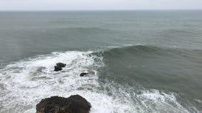 ωκεάνιο σπάσιμο κυμάτων απόθεμα βίντεο