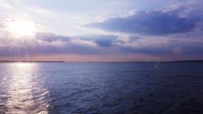 ωκεάνιο ύδωρ όψης ουρανού σύννεφων στοκ εικόνες με δικαίωμα ελεύθερης χρήσης