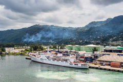 Ωκεανογραφικός ναύαρχος Vladimirsky ερευνητικών σκαφών στο λιμένα Vict στοκ εικόνα με δικαίωμα ελεύθερης χρήσης
