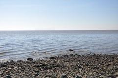 Ωκεανός, ουρανός και βράχοι Στοκ εικόνες με δικαίωμα ελεύθερης χρήσης