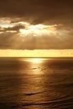 ωκεανός πέρα από το ηλιοβ&alpha Στοκ Εικόνα