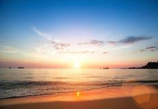 ωκεανός πέρα από το ηλιοβ&alpha παράδεισος φύσης στοιχείων σχεδίου σύνθεσης Ταξίδι Στοκ Φωτογραφίες