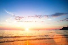 ωκεανός πέρα από το ηλιοβ&alpha παράδεισος φύσης στοιχείων σχεδίου σύνθεσης Ταξίδι Στοκ φωτογραφία με δικαίωμα ελεύθερης χρήσης