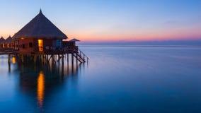 ωκεανός πέρα από το ηλιοβα στοκ εικόνες
