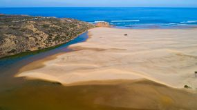 Ωκεανός παραλιών ποταμών στην Πορτογαλία Στοκ εικόνα με δικαίωμα ελεύθερης χρήσης