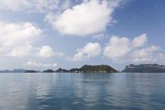 ωκεανός σύννεφων που απεικονίζει ακόμα τα ύδατα Στοκ εικόνες με δικαίωμα ελεύθερης χρήσης