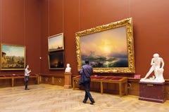 Δωμάτιο με τα έργα ζωγραφικής Aivazovsky στο κρατικό ρωσικό μουσείο στο pe του ST Στοκ εικόνα με δικαίωμα ελεύθερης χρήσης