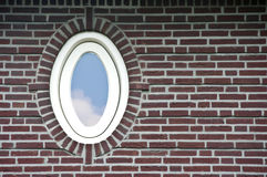 ωοειδές παράθυρο τοίχων &t Στοκ Φωτογραφίες