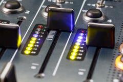 Όγκος Faders αναμικτών του DJ Στοκ Εικόνες