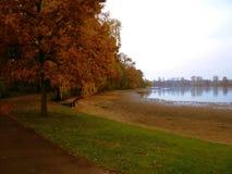 όλα τα χρώματα φθινοπώρου Στοκ εικόνα με δικαίωμα ελεύθερης χρήσης