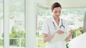 Όμορφα αρχεία ανάγνωσης γιατρών φιλμ μικρού μήκους