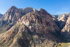 Όμορφα βουνά στο κόκκινο φαράγγι βράχου, Νεβάδα στοκ φωτογραφία με δικαίωμα ελεύθερης χρήσης