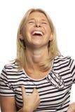 Όμορφα γέλια γυναικών, κινηματογράφηση σε πρώτο πλάνο στοκ φωτογραφίες