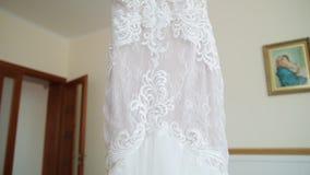 Όμορφα γαμήλια φορέματα στη μπουτίκ απόθεμα βίντεο