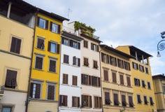 Όμορφα ιταλικά κτήρια ύφους στην πλατεία Santa Croce στη Φλωρεντία Στοκ Φωτογραφίες