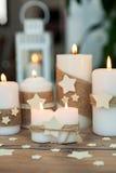 Όμορφα κεριά στο σπίτι Στοκ Φωτογραφίες