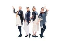 Όμορφα κορίτσια στον πυροβολισμό κοστουμιών σχεδίου στοκ φωτογραφία με δικαίωμα ελεύθερης χρήσης