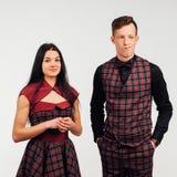 Όμορφα κλασικά κοστούμια ζευγών σε ένα κλουβί Στοκ εικόνα με δικαίωμα ελεύθερης χρήσης