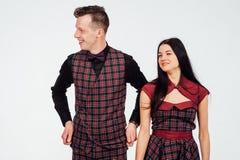 Όμορφα κλασικά κοστούμια ζευγών σε ένα κλουβί Στοκ εικόνες με δικαίωμα ελεύθερης χρήσης